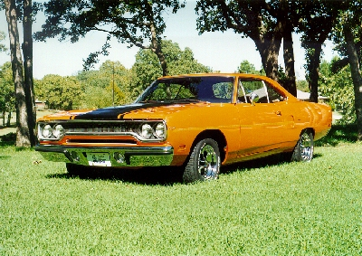 ClassicMuscleCarscom  Plymouth Road Runner  Picture Gallery